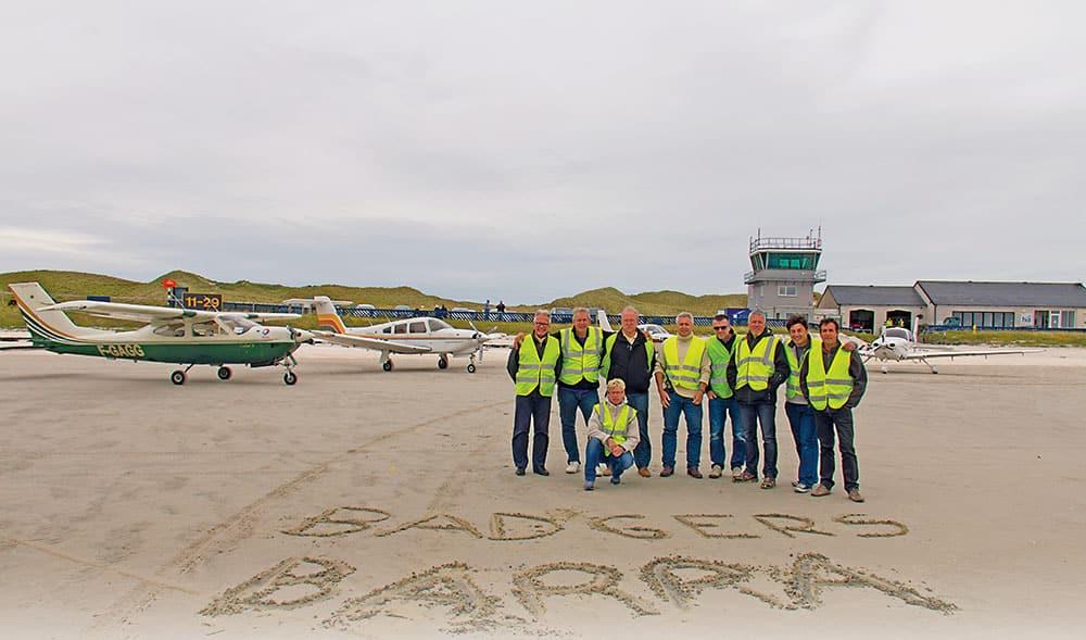 Les Flying Badgers à Barra : Alain, Serge, Natacha, Luc, Jean-Philippe, Eric, Marc, Frédéric et Norbert.